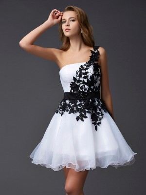 A-Line/Princess Sleeveless One-Shoulder Lace Short/Mini Organza Dresses
