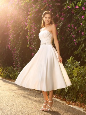 A-Line/Princess Sleeveless Sweetheart Beading Tea-Length Satin Wedding Dresses