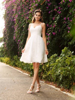 A-Line/Princess Sleeveless Spaghetti Straps Applique Knee-Length Lace Wedding Dresses
