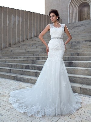 Trumpet/Mermaid Sleeveless V-neck Applique Chapel Train Lace Wedding Dresses