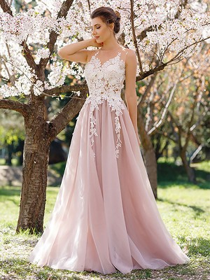 A-Line/Princess Sleeveless Jewel Applique Floor-Length Tulle Dresses