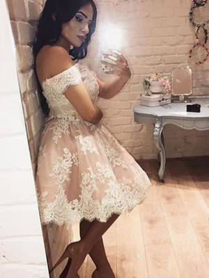 A-Line/Princess Sleeveless Off-the-Shoulder Short/Mini Lace Dresses