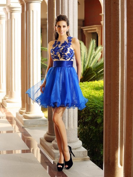 A-Line/Princess Sleeveless Bateau Beading Short/Mini Organza Dresses