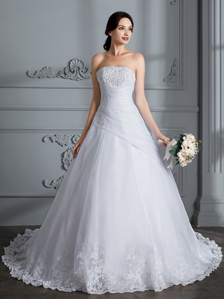 Ball Gown Sleeveless Strapless Court Train Organza Wedding Dresses