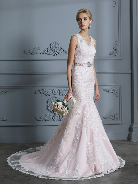 Trumpet/Mermaid Sleeveless V-neck Applique Court Train Tulle Wedding Dresses