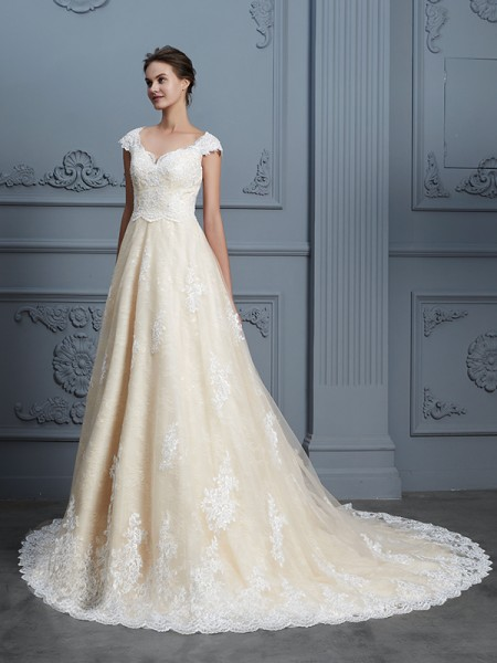 Ball Gown Sleeveless Sweetheart Beading Court Train Lace Wedding Dresses