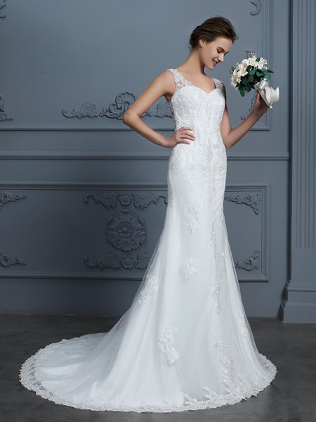 Trumpet/Mermaid Sleeveless V-neck Lace Court Train Tulle Wedding Dresses