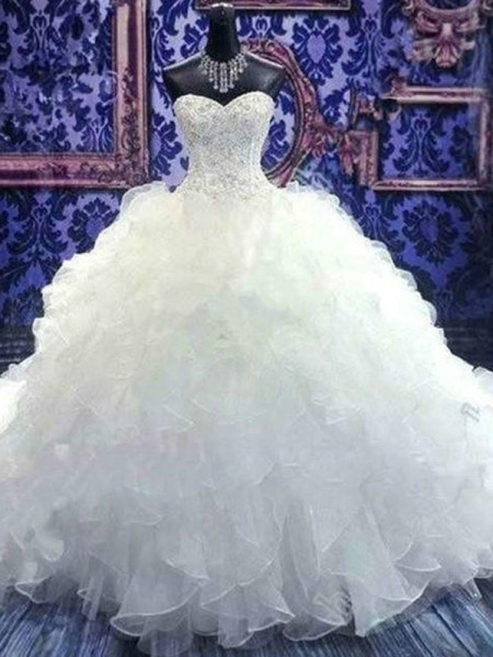 Ball Gown Sleeveless Sweetheart Beading Chapel Train Organza Wedding Dresses