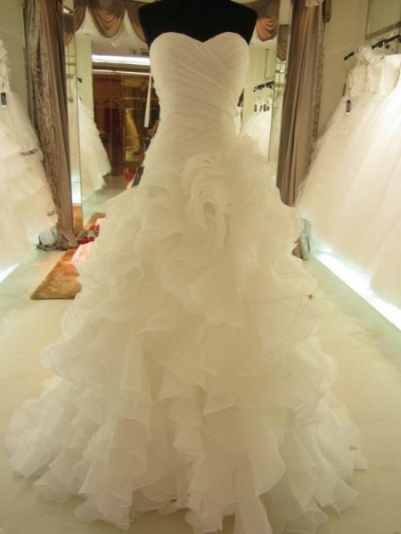 Ball Gown Sleeveless Sweetheart Ruffles Court Train Organza Wedding Dresses
