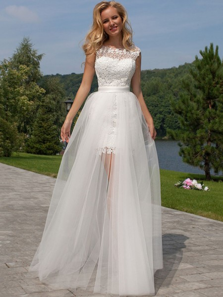 Sheath/Column Sleeveless Scoop Lace Floor-Length Tulle Wedding Dresses