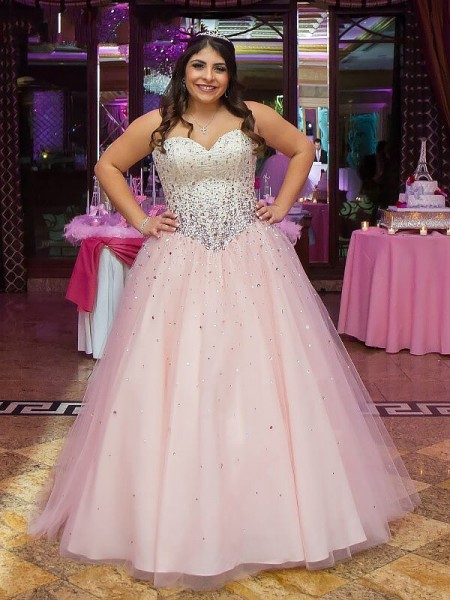 Ball Gown Sleeveless Sweetheart Beading Floor-Length Tulle Plus Size Dresses